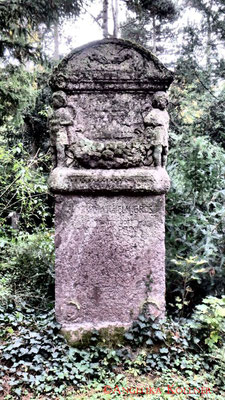 9 #Hauptfriedhof #Frankfurt #Grabstein #Grabmal #Ghosthunters