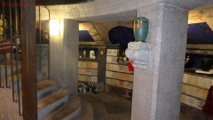 1. Eindrücke von der Urnenmauer im Mausoleum. #Mausoleum #Hauptfriedhof #Frankfurt #Ghosthunters
