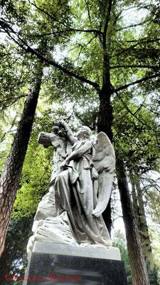 13 #Hauptfriedhof #Frankfurt #Grabstein #Grabmal #Ghosthunters