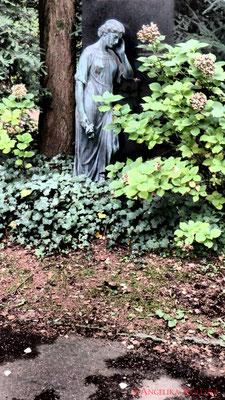 6 #Hauptfriedhof #Frankfurt #Grabstein #Grabmal #Ghosthunters