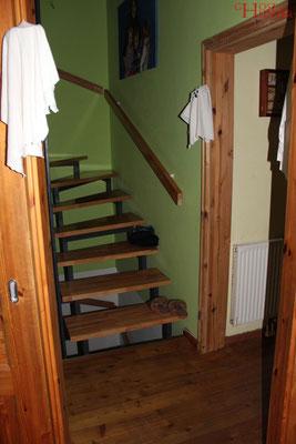 Von dieser Stelle aus, dem Durchgang zur Treppe, fühlte sich die Klientin immer wieder beobachtet. #ghosthunters #paranormal #ghost #geist #spuk