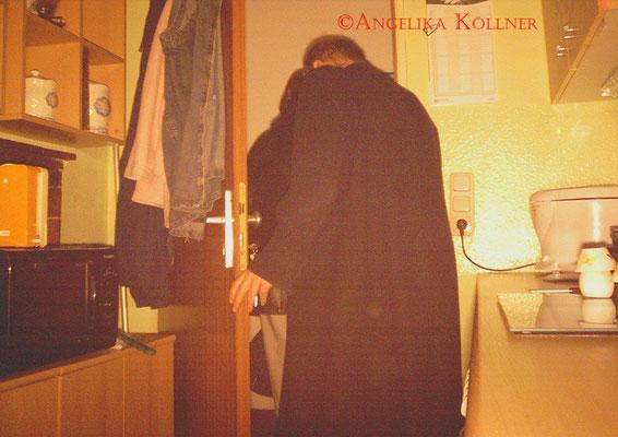 Durch die Fotofalle sieht man sehr schön, wie das Team die Wohnung verlässt. #PU-Darmstadt #ghosthunter #paranormal #parapsychologie