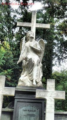 20 #Hauptfriedhof #Frankfurt #Grabstein #Grabmal #Ghosthunters