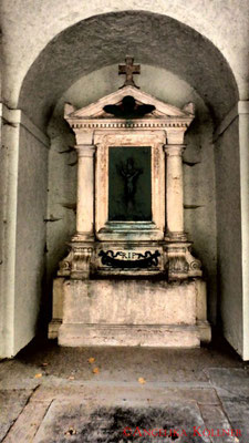 11 #Hauptfriedhof #Frankfurt #Gruftenhalle #Ghosthunters