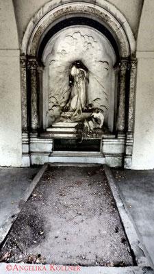13 #Hauptfriedhof #Frankfurt #Gruftenhalle #Ghosthunters