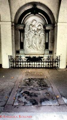 10 #Hauptfriedhof #Frankfurt #Gruftenhalle #Ghosthunters