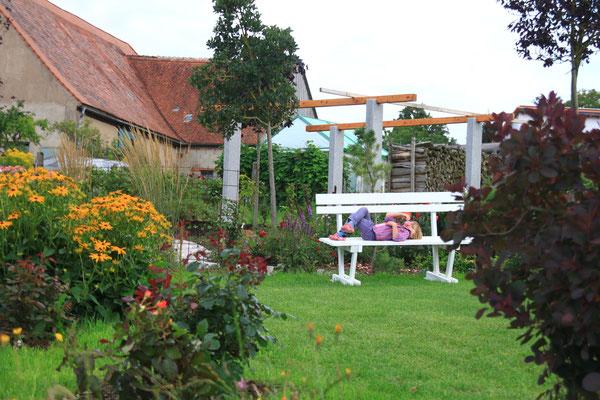 Spitzgelegenheiten gibt es reichlich im Garten