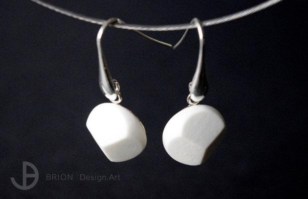 Ohrhaken Porzellan, 3fach geschliffen, matt, 925er Silber, D 17mm