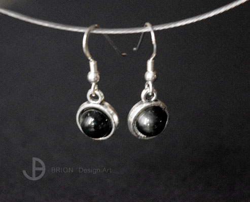 Ohrhaken Porzellan, schwarz glasiert, D 10mm, Hänger mit Inlay Antik Silber, Haken 925er Silber, 24,00 bei DaWanda