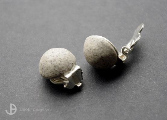 Ohrclips, Porzellan, halbrund, grau eingefärbt, matt, 925er Silber, D 13mm