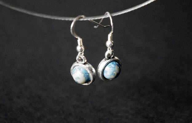 Ohrhaken Porzellan, blau glasiert, Hänger mit Inlay Antik Silber, Haken 925er Silber, D 10mm