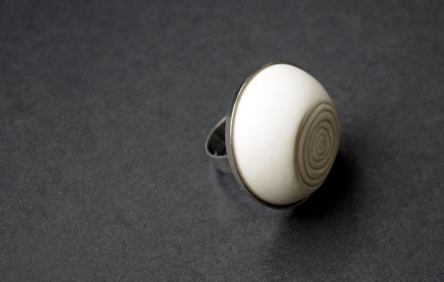 Ring Porzellan, matt/ Ringstruktur abgeflacht, Edelstahl vs, D 30mm