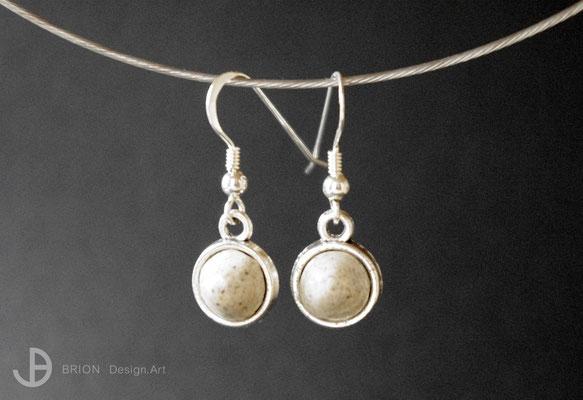 Ohrhaken Porzellan, matt/ braun eingefärbt/ gerillt, Hänger mit Inlay Antik Silber, Haken 925er Silber, D 10mm