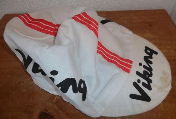 wielerpet Viking, origineel 1978. Heeft wat vlekken. Zeldzame oude pet. Bij koop kost deze 10 euro