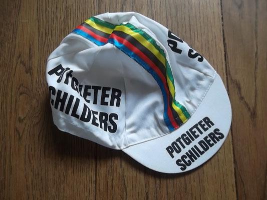 Wielerpet Potgieter van wereldkampioen Stayeren Martin Venix. Bij koop kost deze pet 10 euro.