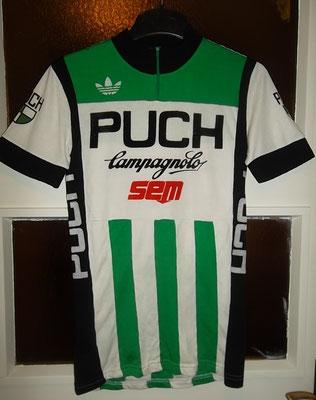 Puch - SEM 1980. In de ploeg van Jean de Gribaldy was Joquim Agostinho de kopman. Deze trui is gedragen door Jean Francois Rodriguez