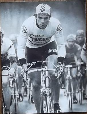 Persfoto Gregor Braun Tour de France, gestempeld Foto Horstmuller. Rechts wat beschadigingen zoals zichtbaar op foto. Bij koop kost deze 8 euro.