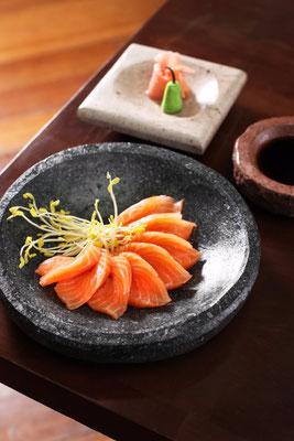 Sashimi de Salmón ($9.900)