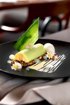 Terrina de limón con jengibre y helado de apio