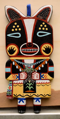 "Anja Mattenklott, ""Hopi-Dachs-Honan"", 15 cm x 34 cm, Gouache, Pigmente, Federn auf ausgesägtem Eichenbrett, 2020"