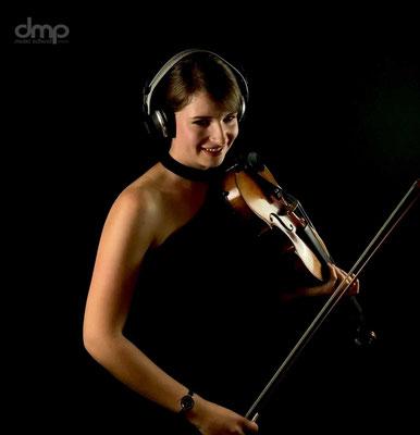 Veronika Böhm Lehrerin für Geige an der dmp school