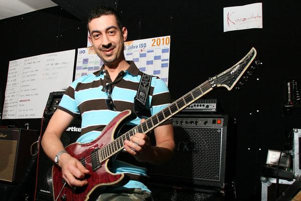Unterricht für Gitarre & Keyboard mit Ramon