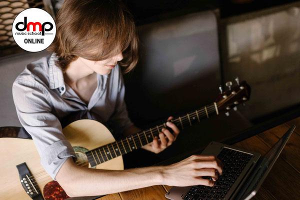 Gitarre & Ukulele online Lernen