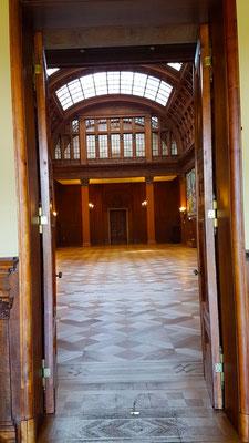 """Villa Hügel"", das große Haus - blick in die obere Halle"