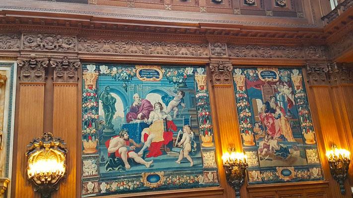"""""""Villa Hügel"""", das große Haus - die obere Halle mit ihren Wandteppichen"""