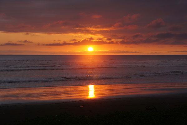 Sonnenuntergang an der Pazifikküste (auf der Rundreise November/Dezember 2016)