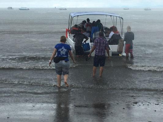 Ankunft in Drake Bay bei Regen (auf der Rundreise November/Dezember 2016)
