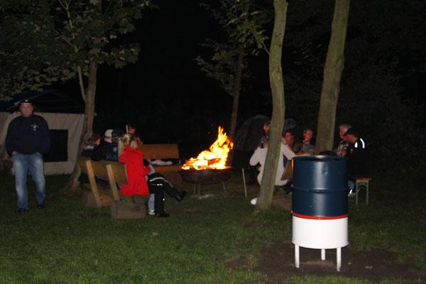 Unser Feuerchen am Abend