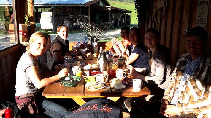 Frühstück auf der Ranch