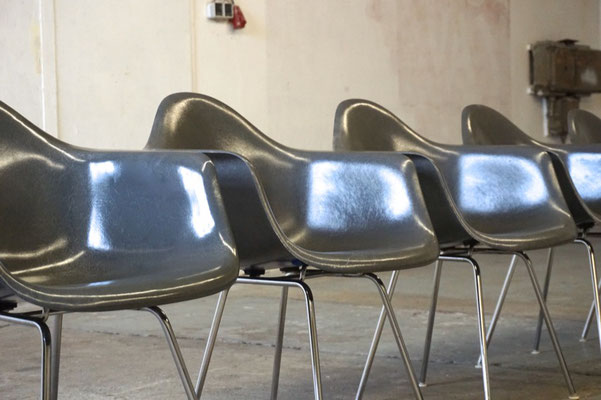 Eames Fiberglass Armchair Elephant Hide Grey