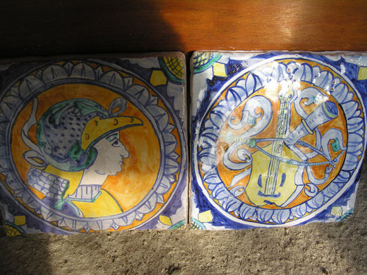 CERAMICA CON ANTICHI DISEGNI maiolica antica per cucina antica  hand painted tiles italian