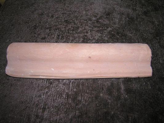 listello in cotto fatto a mano di circa 20 cm