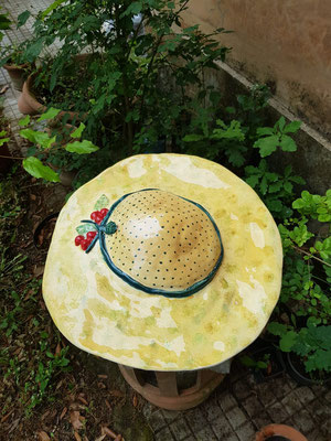 cappello di ceramica fatto a mano scultura 55 cm        ceramic garden art