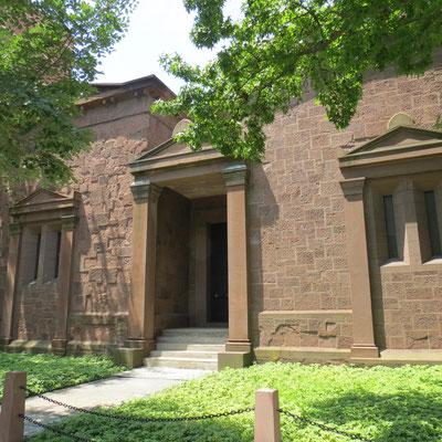 The Tomb - der geheimnisumwobene Sitz der Skull & Bones