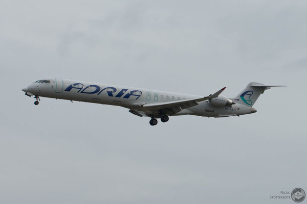 CRJ-900 (S5-AAO)
