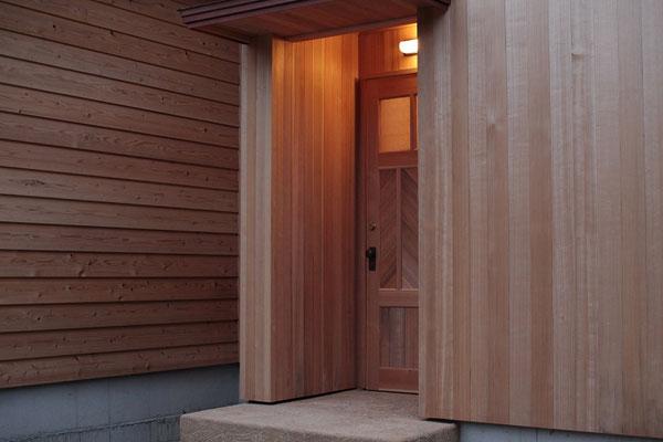 外壁・建具もすべて杉無垢材
