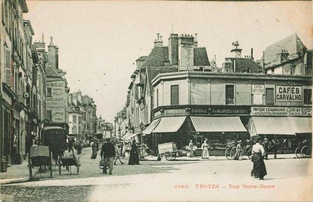 Place des Anciennes Boucheries (Hôtel de Ville)-Rue Notre-Dame (Emile Zola)