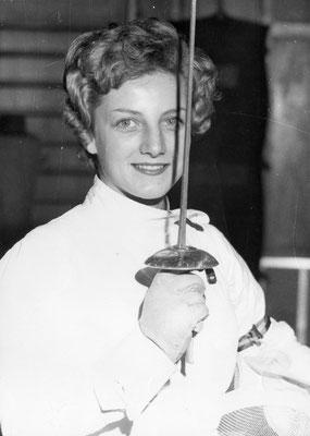 Mme Gamot (Nicole Gerbant) Championne de Champagne au Fleuret 1957