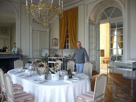 FRANK GERARD dans la salle à manger