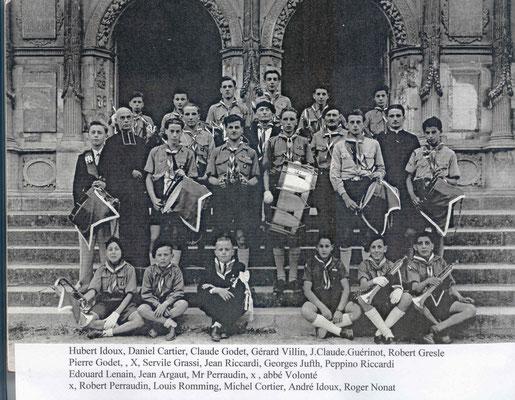 LA TROUPE DE ST ANDRE 1947