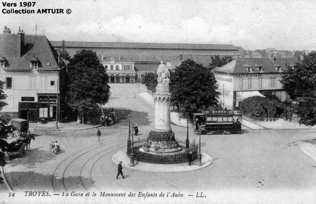 Gare et Monument des Enfants de l'Aube