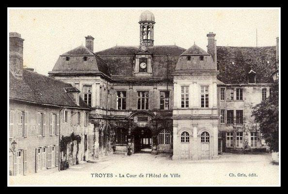 Cours de l'Hôtel de ville