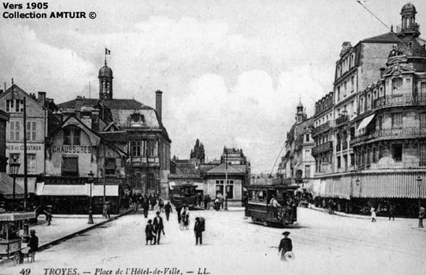 Place de l'Hôtel de Ville