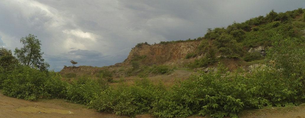 Angeknabberter Chi So Mountain. Sna meinte, früher sah das alles noch schöner aus.