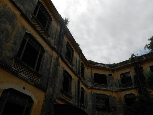 Das alte Polizeiamt: OFFIZIELL wohnt hier niemand mehr... ©Fabi