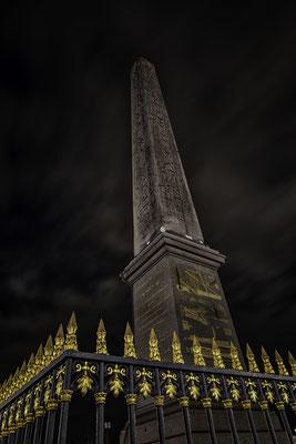 Obelisk am Place de la Concorde bei Nacht
